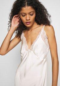 Marks & Spencer London - ROSIE BRIDAL CHEM - Noční košile - ivory - 5