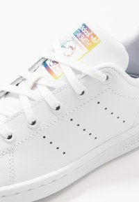 adidas Originals - STAN SMITH - Sneakers laag - footwear white/core black - 2