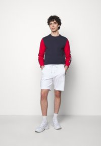 Michael Kors - BLOCKED LOGO  - Shorts - white - 1