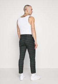 New Look - GRID CROP  - Kalhoty - 38-dark green - 2