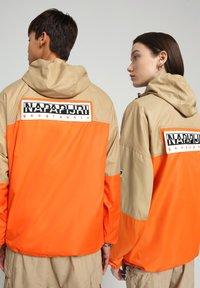 Napapijri - A-KALALAU - Windbreaker - beige - 2