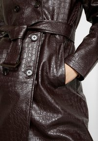 Dorothy Perkins - CROC - Trench - choc - 5