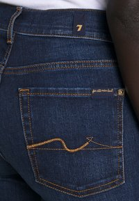 7 for all mankind - THE CROP - Straight leg jeans - dark blue - 3