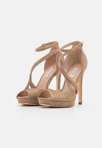 Guess - FINNEE - Sandaler med høye hæler - nude - 2