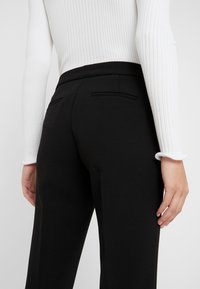 MICHAEL Michael Kors - NEW CROPPPED - Stoffhose - black - 5