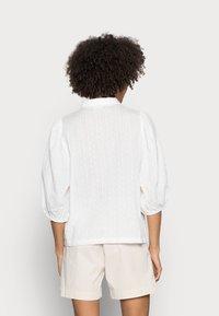 Kaffe - SUKI SHIRT - Button-down blouse - optical white - 2