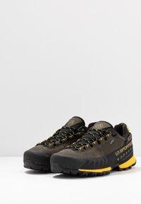 La Sportiva - TX5 LOW GTX - Hiking shoes - carbon/yellow - 2