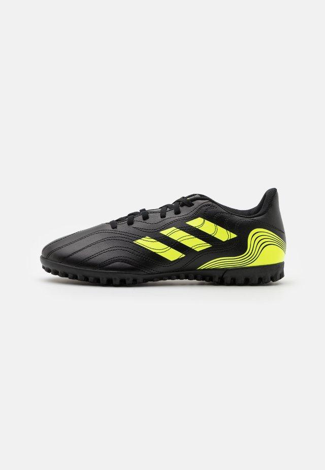 COPA SENSE.4 TF - Voetbalschoenen voor kunstgras - core black/solar yellow