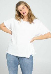 Paprika - Print T-shirt - white - 0