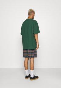 BDG Urban Outfitters - CHECK DRAWSTRING - Shorts - khaki - 2