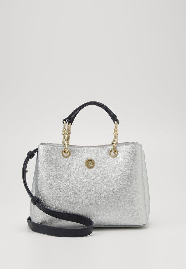 CORE SATCHEL METALLIC - Handbag - grey