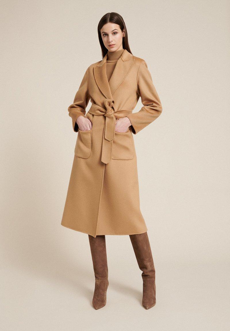 Luisa Spagnoli - SCUDO - Classic coat - cammello