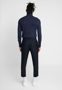 New Look - PLEATED CROP - Trousers - navy - 2