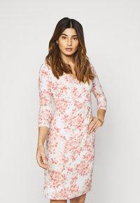 Lauren Ralph Lauren Petite - CLEORA - Shift dress - cream/pink/multi - 3