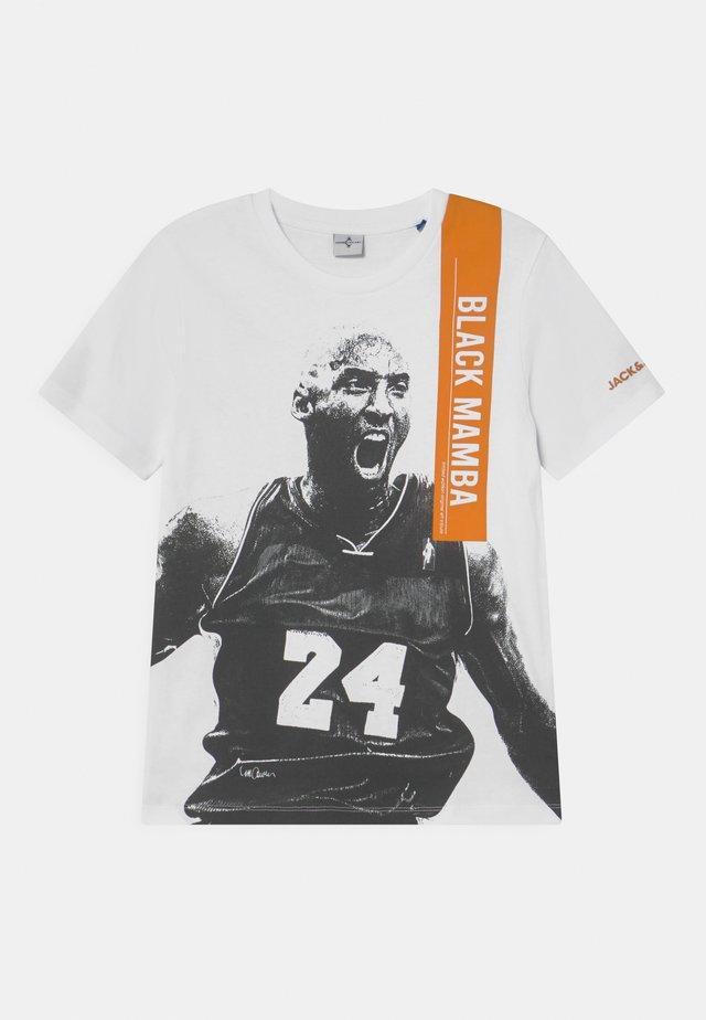 JCOLEGENDS  - T-shirt med print - white