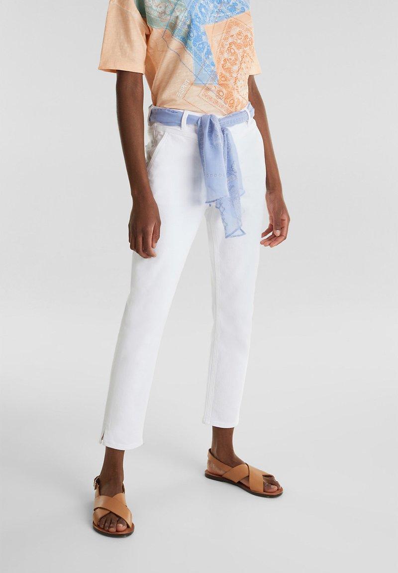 Esprit - ESPRIT DAS VIELSEITIGE BANDANA - HIER ALS GÜRTEL - GIBT DIESER W - Slim fit jeans - white