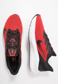 Nike Performance - ZOOM WINFLO 7 - Neutral running shoes - university red/black/white - 1