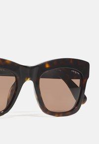 VOGUE Eyewear - MARBELLA - Occhiali da sole - dark havana - 3