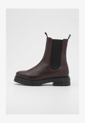 KENSINGTON BOOT - Platform ankle boots - black/ox blood