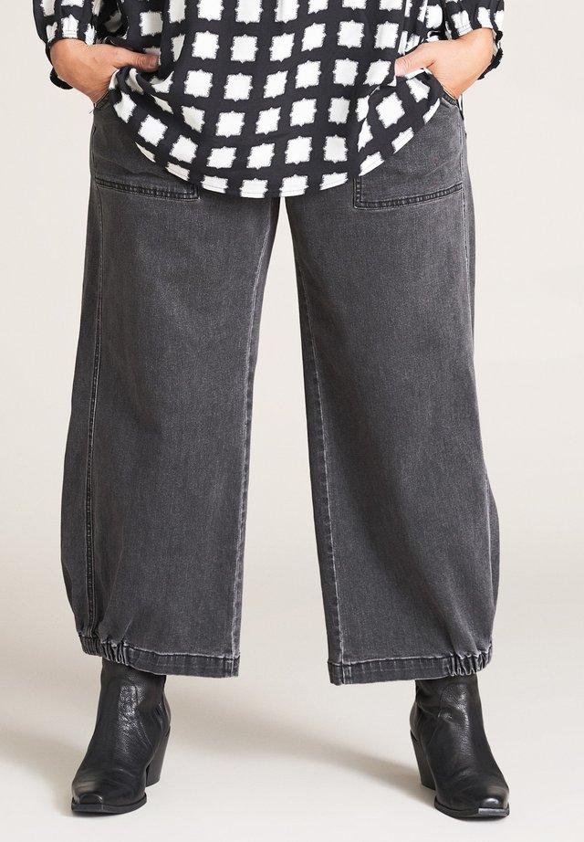 CLARA - Straight leg jeans - black denim