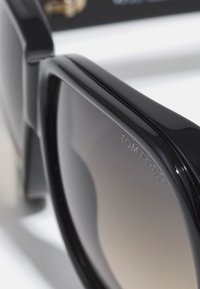 Tom Ford - UNISEX - Sunglasses - shiny black/ gradient smoke - 4