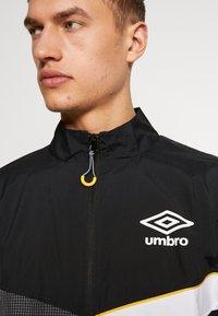 Umbro - DIAMOND CUT TRACK JACKET - Training jacket - black/brilliant white - 3