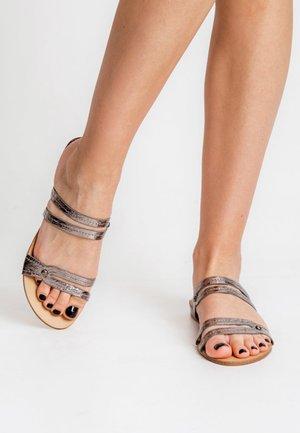 FAGHITA - Sandaalit nilkkaremmillä - grey