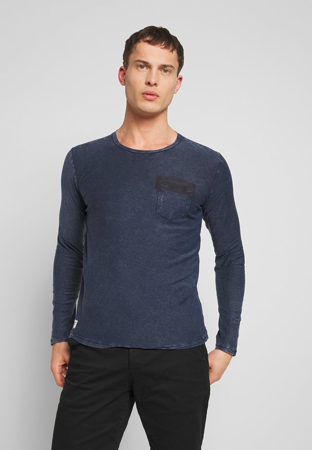 Long sleeved top - total navy