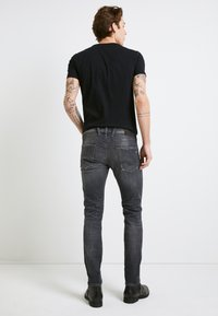 Replay - ANBASS AGED - Slim fit jeans - medium grey - 3
