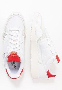 adidas Originals - SUPERCOURT - Trainers - footwear white/scarlet - 1