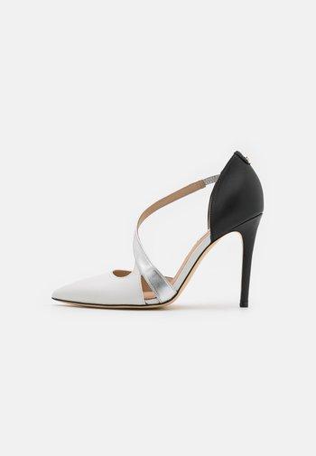 GINETTA - Classic heels - white