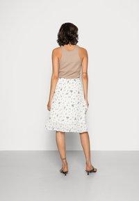 Moss Copenhagen - EVA RIKKELIE SKIRT  - A-line skirt - egret - 2