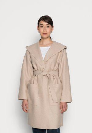 COAT BOILED HOOD PATCHED POCKETS BELT - Classic coat - blushed camel