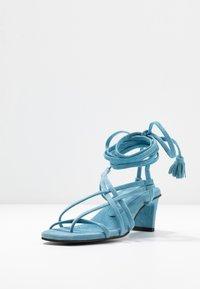 Vero Moda - VMSABINA  - Sandály s odděleným palcem - cyan blue - 4