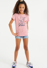 WE Fashion - MET OPDRUK, PAILLETTEN EN DESSIN - T-shirt print - pink - 0