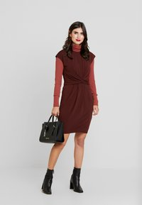 Anna Field - BASIC - Vestido informal - bitter chocolate - 1