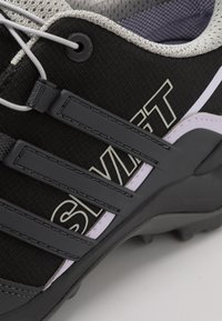 adidas Performance - TERREX SWIFT R2 GORE-TEX - Hiking shoes - core black/solid grey/purple tint - 5
