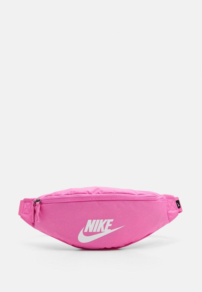 Nike Sportswear - HERITAGE UNISEX - Bum bag - china rose/white