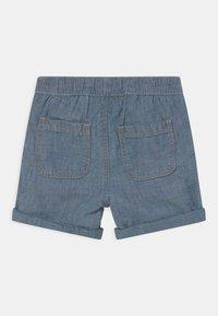 GAP - CHAM - Denim shorts - blue chambray - 1