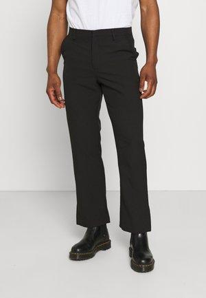 ON THE RUN STRAIGHT LEG TAILORED TROUSER - Pantalon classique - black