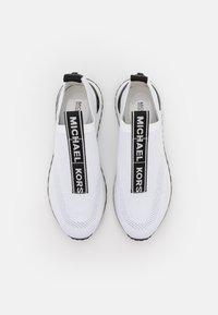 MICHAEL Michael Kors - BODIE SLIP ON - Sneakers laag - opticwhite - 4
