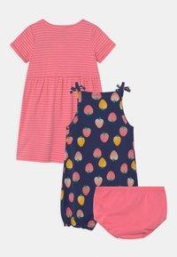 Carter's - STRAWBERRY SET - Jumpsuit - pink/multi-coloured - 1