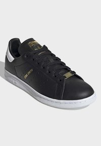adidas Originals - STAN SMITH SHOES - Sneakersy niskie - black - 4
