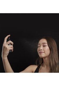 Nyx Professional Makeup - SETTING SPRAY - Utrwalanie makijażu - 1 matte - 4