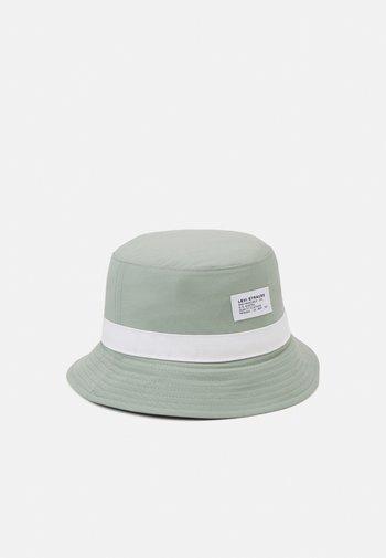 SEASONAL BUCKET HAT UNISEX - Hat - green