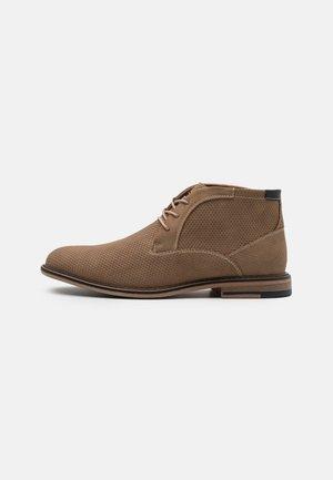 GRAPER - Volnočasové šněrovací boty - taupe