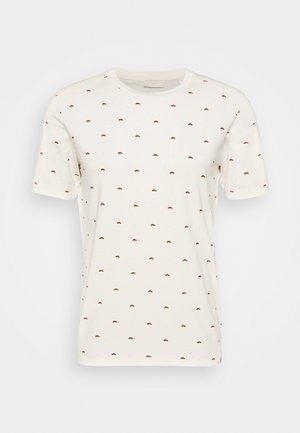 CLASSIC CREWNECK TEE - Print T-shirt - sand