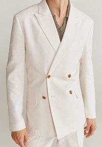 Mango - BRIEN-I - Blazer jacket - weiß - 3