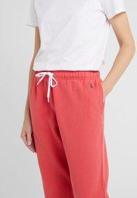 Polo Ralph Lauren - SEASONAL  - Trainingsbroek - spring red - 4