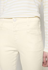CLOSED - PUSHER - Jeans Skinny Fit - creme - 4
